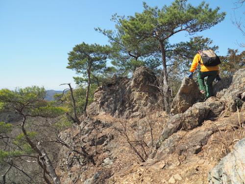 露岩の尾根道