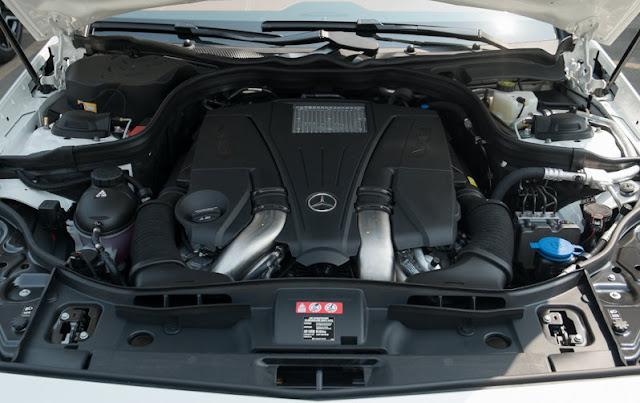 Mercedes CLS 500 4MATIC trang bị động cơ vận hành mạnh mẽ
