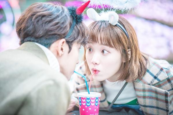 Lee Sung Kyung baru merasakan cinta pertama di usianya yang ke-21 tahun, gimana ceritanya?