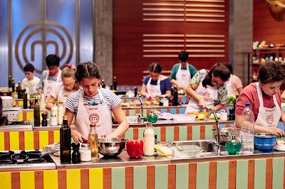 Diversão e aprendizado embalam competição entre cozinheiros mirins que sonham com título e a bolsa de estudos que o acompanha - Divulgação