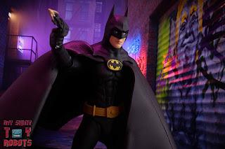 S.H. Figuarts Batman (1989) 30