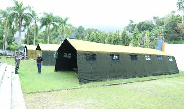 Prajurit TNI Dirikan Tenda Pengungsian Dan Pelayanan Kesehatan Untuk Korban Gempa Di Mamuju