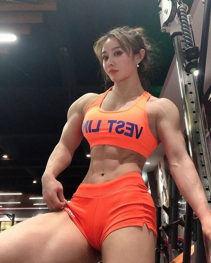 Bodybuilder Doctor Shocked By Her Physique | Yuan Herong