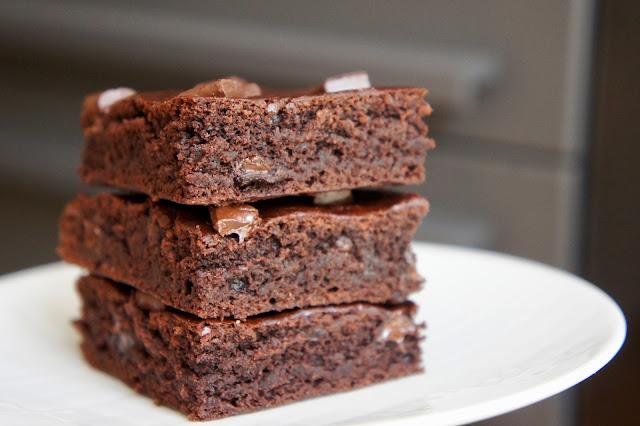 REZEPT: schokoladige Brownies (glutenfrei + vegan)