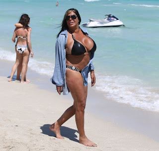 Top 10 The Most detrimental Celebs Bikini Bodies