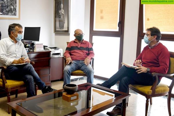 El Cabildo y Pitapalma trabajan conjuntamente para garantizar el transporte de la pitaya al mercado peninsular