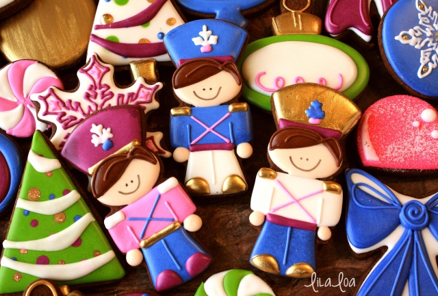 A cookie decorating tutorial for decorated sugar cookies that look like Tin Soldiers for Christmas!