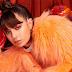 """Mais PC Music sim! Charli XCX anuncia lançamento de novo single, """"Girls Night Out"""""""