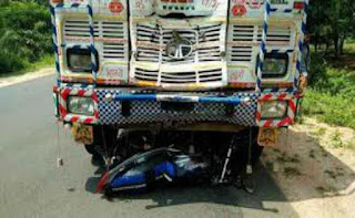 truck-crash-bike