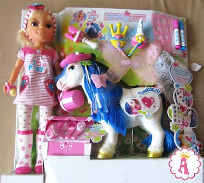 Игровой набор Нэнси и ее любимая пони: Nancy and Her Fantasy Pony by Famosa