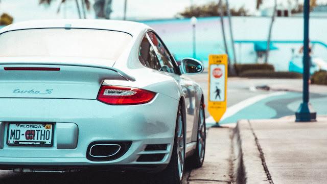 Carro Esportivo Porsche 911 Turbo S