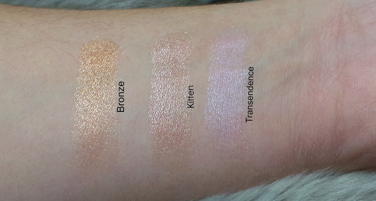 Stila Highlighter Palette swatches