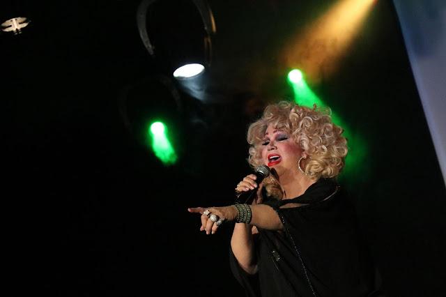 Jane Di Castro vai rodar o país com show dando oportunidade para artistas transfomistas