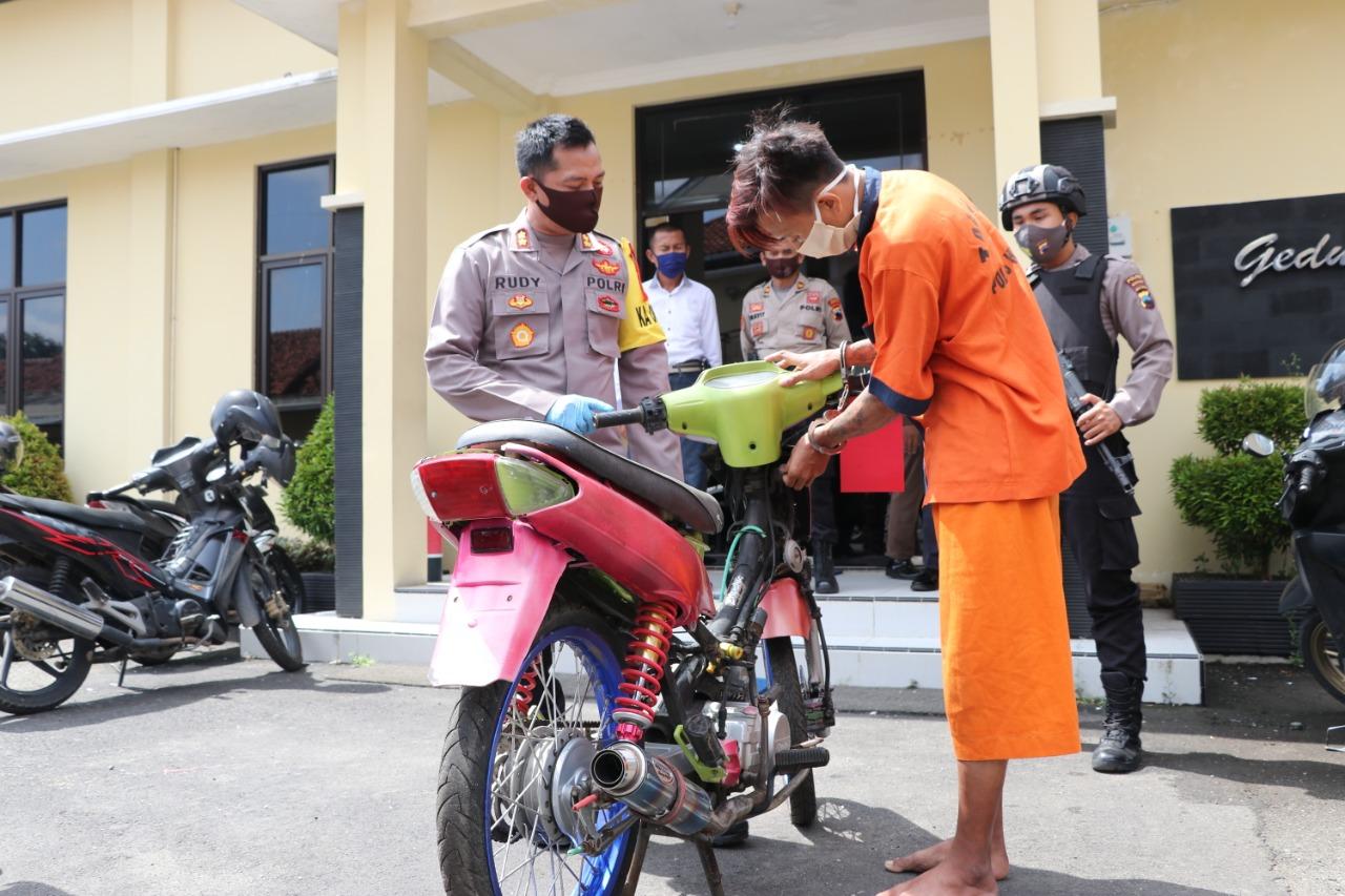 Duh, Pemuda Karangsambung ini Ngojek Pakai Motor Curian di Masjid