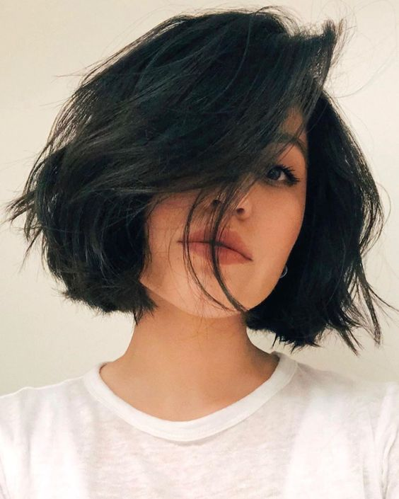 A simple and refreshing short summer haircut for girls that will give you a different feeling