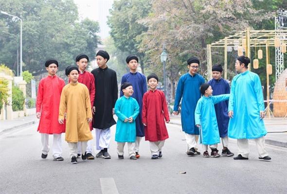 Áo dài ngũ thân cho thế hệ trẻ