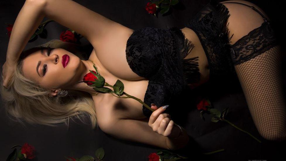 DivyaMelany Model GlamourCams