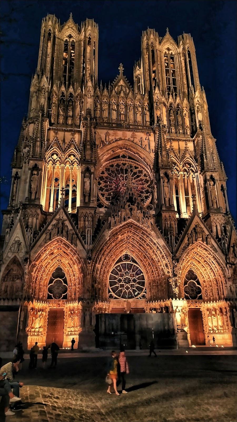 Cathédrale-Notre-dame-de-Reims-Travelling-Hopper