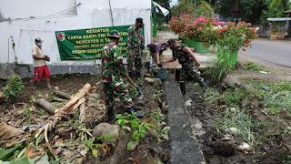 Koramil 0820/17 Pakuniran Bantu Masyarakat Binaan Dengan Karya Bhakti TNI
