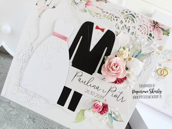Karteczka w pudełku suknia i garnitur