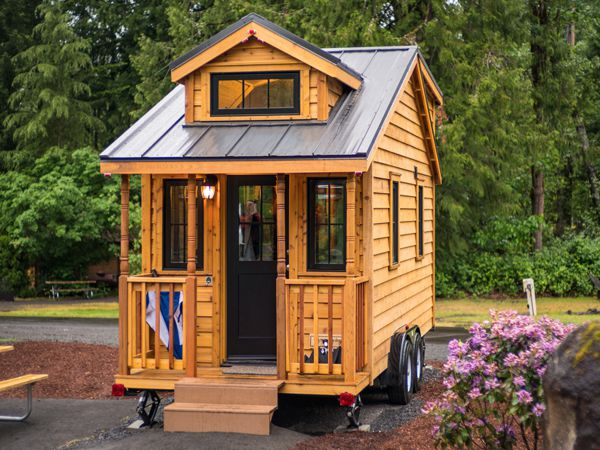Tiny house town atticus of mt hood village resort for Small house companies