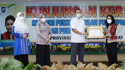 Menteri PPPA beri penghargaan kepada Gubernur NTB Atas Perda Pencegahan Perkawinan Anak