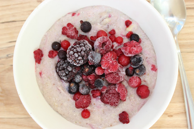 berry buckwheat porridge