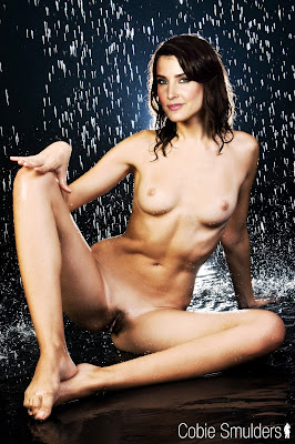 575887159 csmulders 123 560lo Cobie Smulders Nude Pssing For Magzine Cover Showing BOobs & Pussy [Fake]