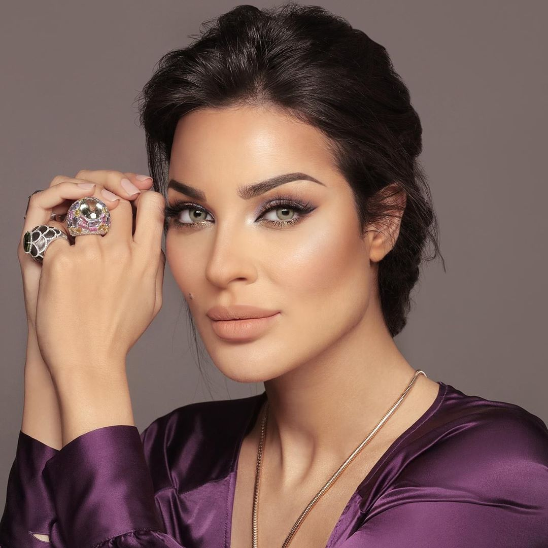 30 Best Photos  & Wallpaper of Nadine Nassib Njeim 2019