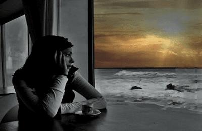 Kumpulan puisi kesendirian cinta dan puisi penantian sunyi.