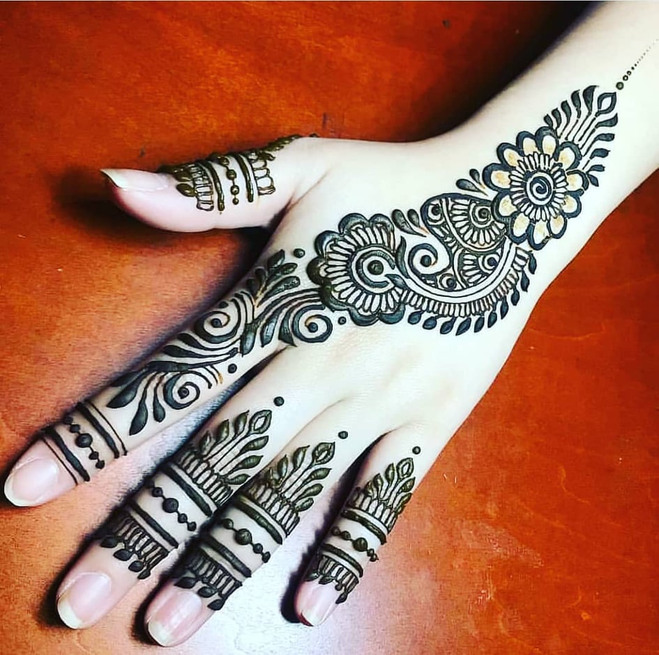 easy mehndi design arabic style front hand