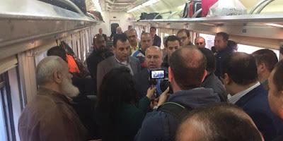 لأول مرة «تذاكر للركوب واقفاً».. وزير النقل يكشف عن استراتيجية جديدة لمواجهة زحام القطارات