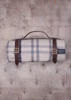 The Tartan Blanket Co. - Recycled Wool Waterproof Picnic Blanket in Light Grey Check
