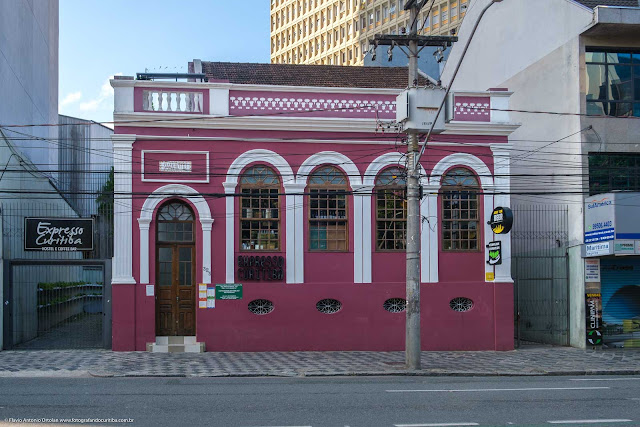 Casa na Rua Alfredo Bufren