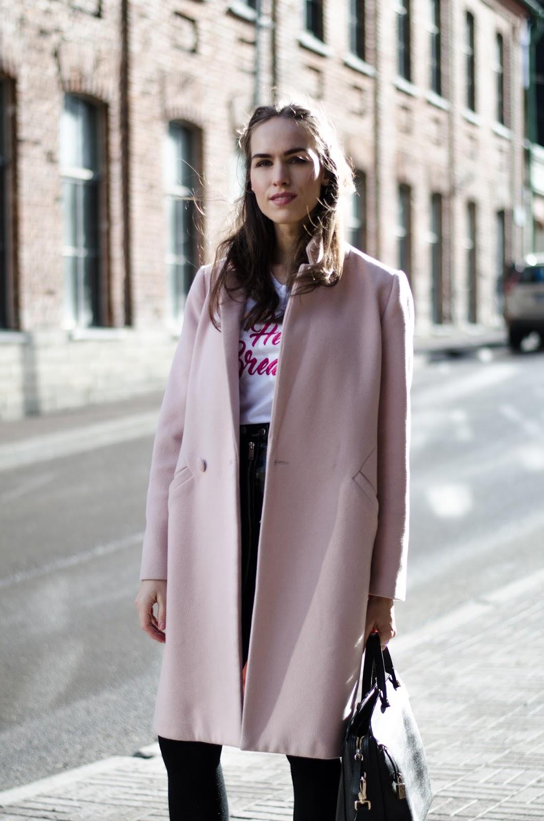 kristjaana mere pink coat minimalist spring outfit