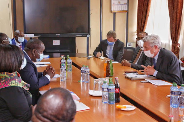 Interior Minister Fred Matiang'i announced after meeting with Filippo Grandi photo
