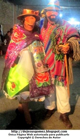 Foto del Boliviano o Jamille junto a una Huanquita o Wanka (Jauja - Perú). Foto del Boliviano deJesus Gómez