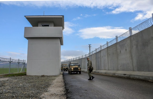 Κωσταράκος: Κατασκευάστε τείχος στον Έβρο σαν το τουρκικό…