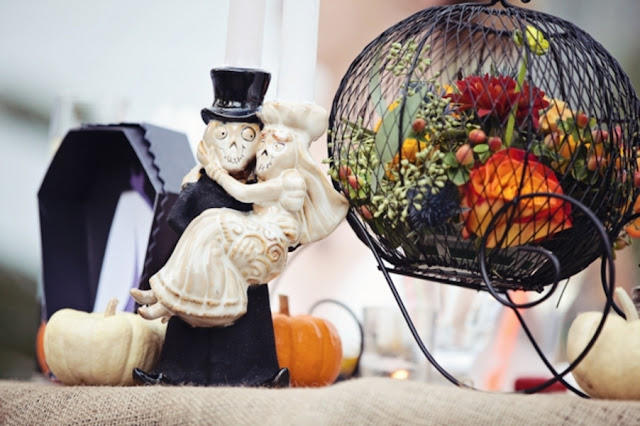 halloween+wedding+spooky+gothic+skeleton+october+fall+autumn+pumpkin+skull+ghoul+ghost+dress+up+costume+party+black+red+orange+tattoo+bride+bridal+groom+13 - Amaretto Finger Cookies