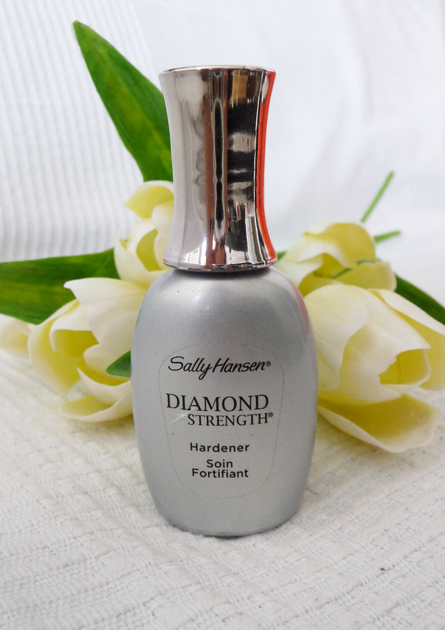 RECENZE: SALLY HANSEN DIAMOND STRENGTH parfums.cz