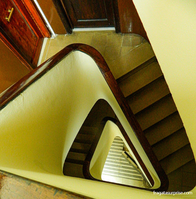 Escadaria do Hostal Ruta de Francia, no Eixample, Barcelona