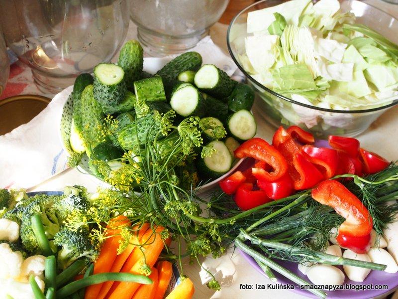 kiszenie w domu, kiszone warzywka, mieszanka kiszona, kiszonka wielowarzywna, kiszenie jest latwe, kiszonki sa zdrowe, niskokaloryczne, samo zdrowie, kolory lata