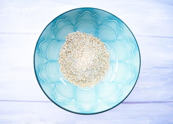 porridge oats in a blue bowl
