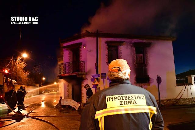 Δεν έχουν εντοπισθεί ακόμα τα ηλικιωμένα αδέλφια στο σπίτι τους που κάηκε στην Πυργέλα Αργολίδας (βίντεο)