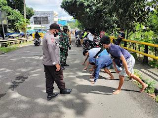 Personil Polsek Cendana Polres Enrekang Bersama Intansi TerkaMelaksanakanit  Operasi Yustisi