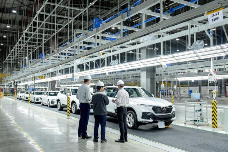 Giảm phí trước bạ ô tô: Bộ Công Thương đồng ý, Bộ Tài chính phản đối