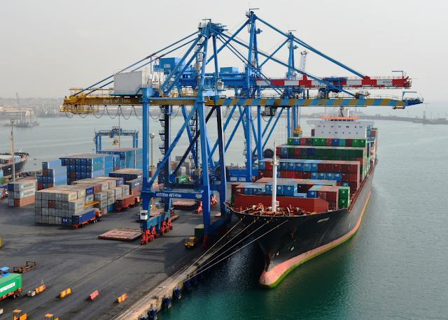 Menko Maritim Luhut Binsar Pandjaitan Yakin Indonesia Memiliki 100 Pelabuhan Feeder