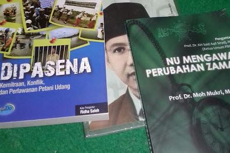 Membangun Politik Indonesia dengan Penanaman Jiwa Demokrasi Kepada Santri dengan Pengetahuan Islam yang Luas