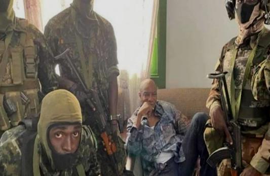 Guinée: les putschistes annoncent un couvre-feu