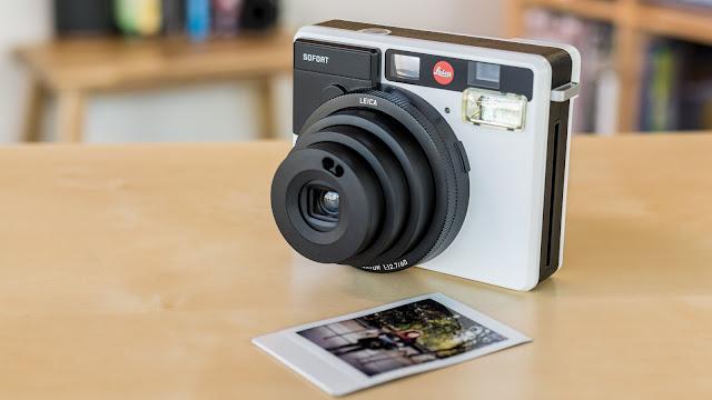 Leica Sofort Review